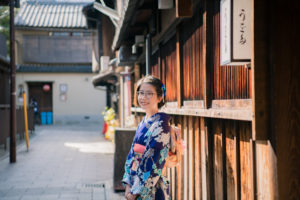 Beautiful Kimono Photography Session in Winter Kyoto!
